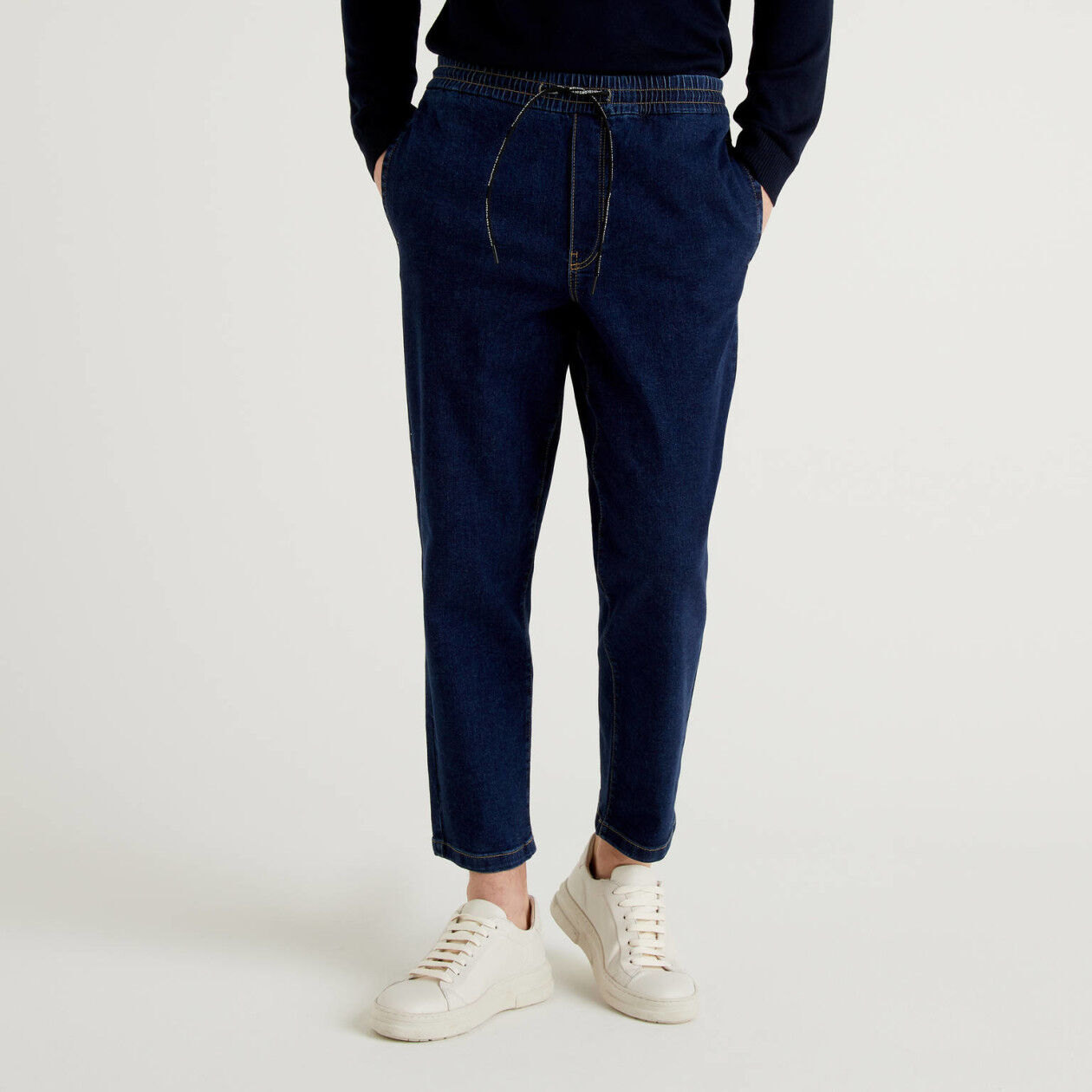 Chino joggers in stretch cotton denim