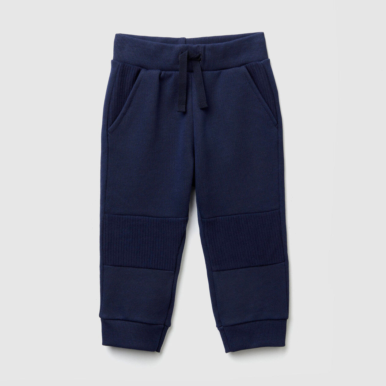 Sweatpants with inserts