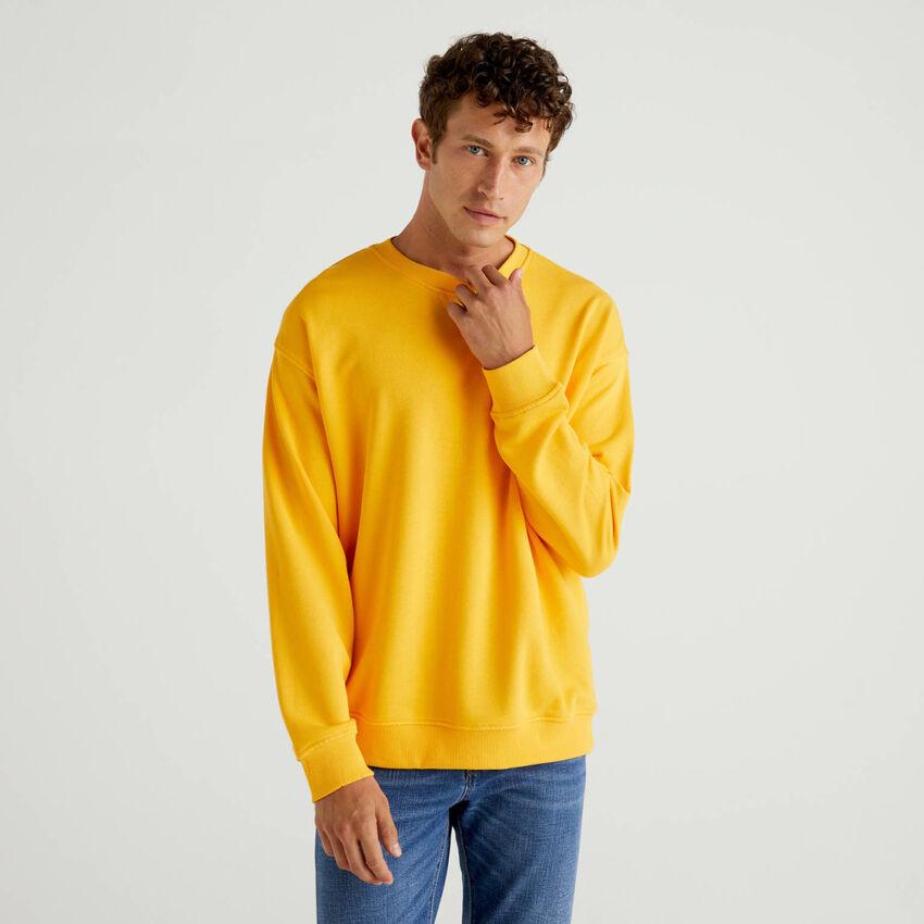 100% cotton sweatshirt with applied logo